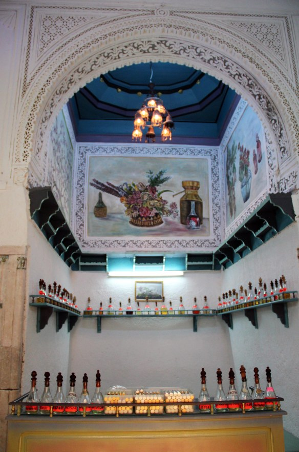 Cruise Tunis Medina Perfume shop