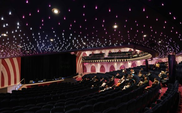 cruise covent garden theatre 2
