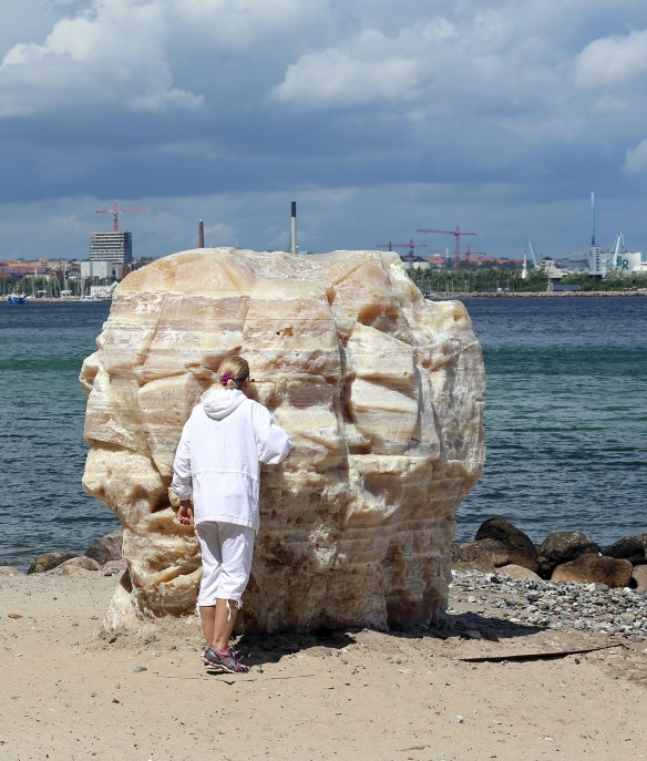 Sculpture by the sea Grain of Soap photo Henrik Elstrup