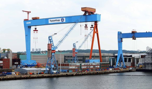 Baltic cruise Kiel cranes