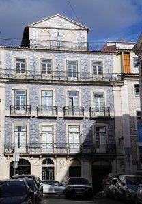 Lisboa building with tiles blue