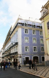 Lisboa building with tiles