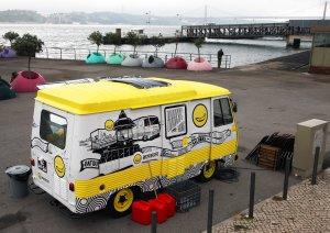 Lisboa Car Banana van