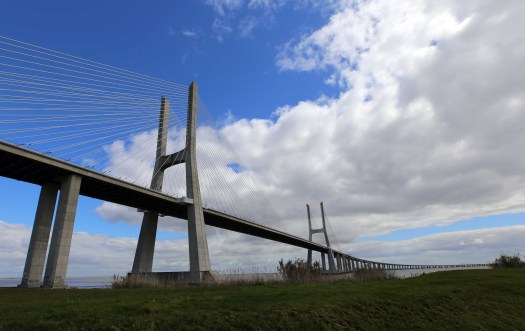 Lisboa Vasco da Gama Bridge total