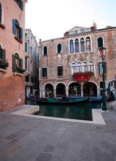 Venedig hotel og gondol morgen