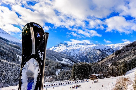 Ski_and_mountains_Angertal_Henrik_Elstrup