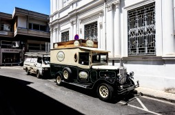 Cyprus_Nicosia_Street_cars_414X2350