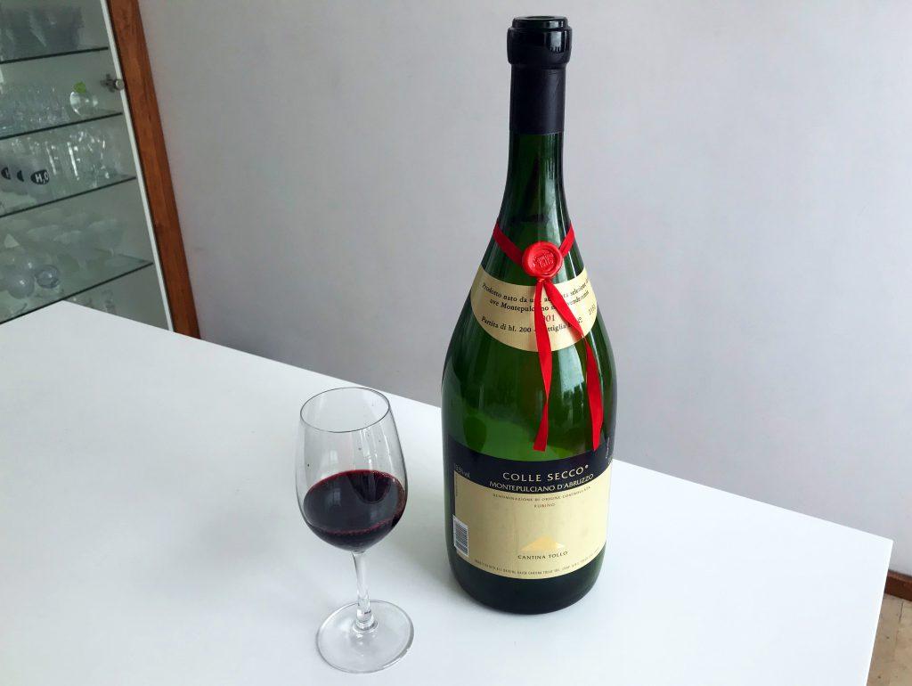 genstande flaske vin